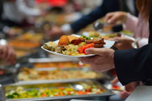 Como estocar alimentos? Cuidados essenciais no manuseio e estoque!